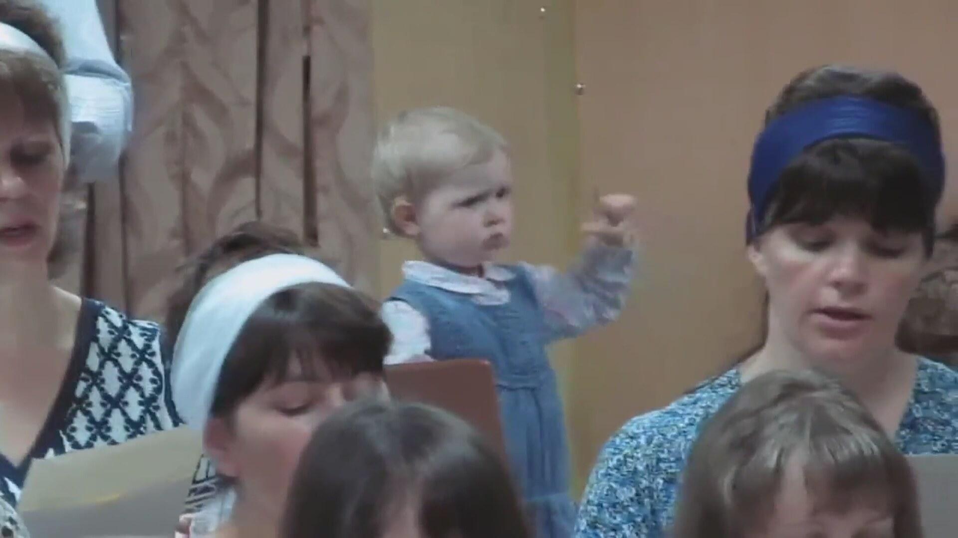 Трахнули очень маленькую девочку 14 фотография