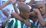 Alex de Souza durdurulamıyor!