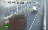 Otobanda İlginç Kaza!