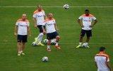 Sneijder, Robben ve RVP üçlüsünden frikik şov! view on izlesene.com tube online.