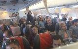 Uçakta Pilotun Evlenme Teklifi
