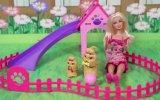 Barbie'nin Alkışla Yürüyen Köpekleri
