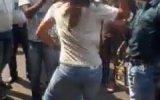 Genç Kız Erkeği Evire Çevire Dövdü