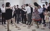 Kafayı Koparmalı  Birleştirmeli Dans