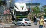 ilginç araba kazalari